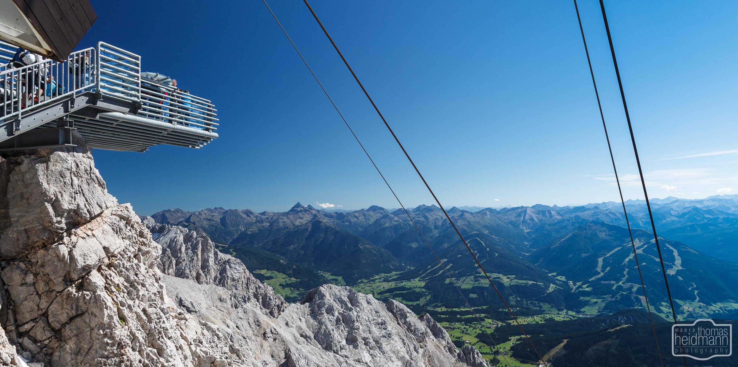 Aussichtsplattform und Alpenblick vom Dachstein