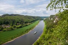 Ausblick vom Elbsandsteingebirge zur Elbe