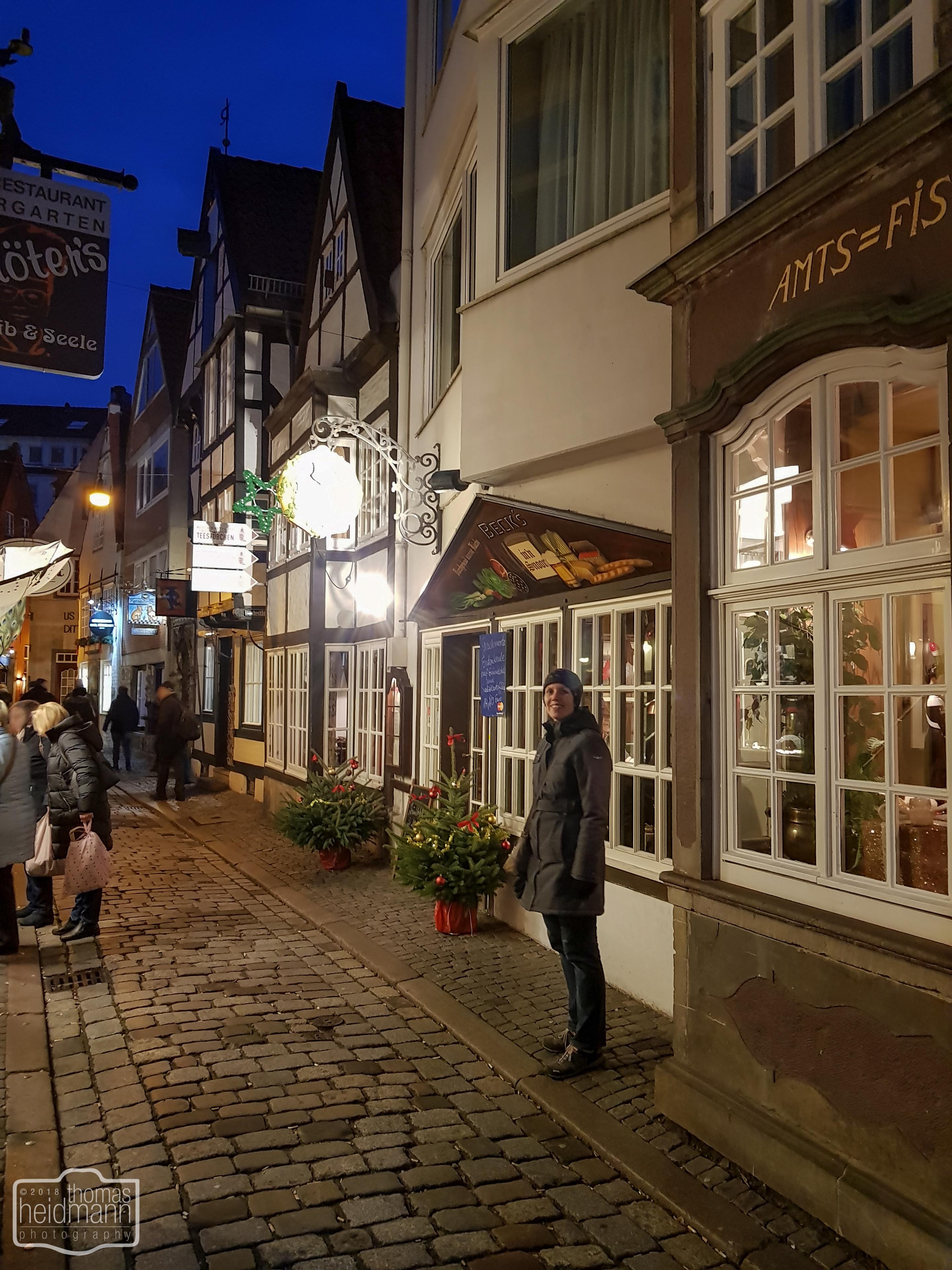 """Vor dem """"Beck's in'n Schnoor """"in Bremen"""