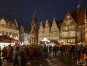Weihnachtsmarkt in Bremen -Blick auf den Roland-