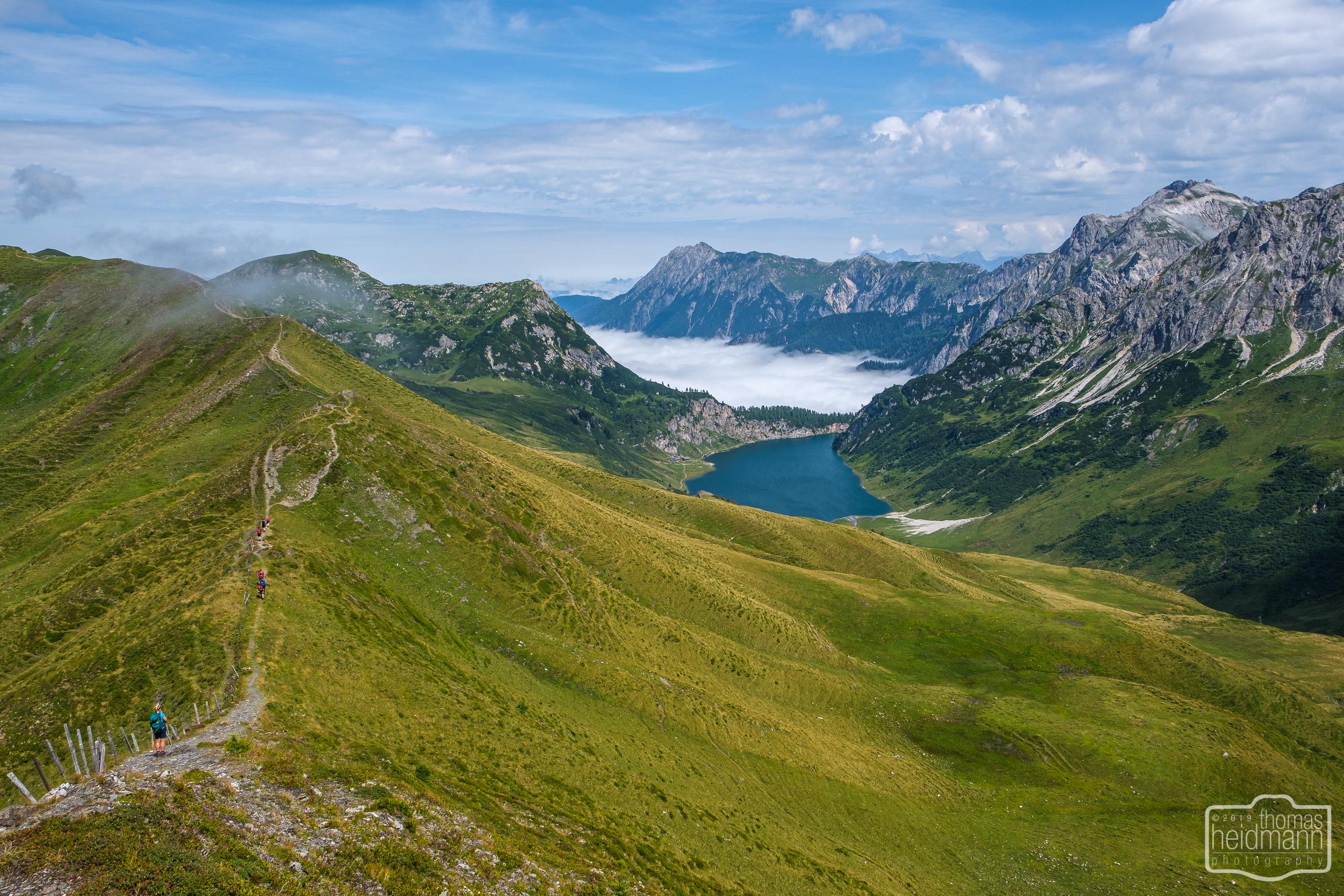 Gratwanderung - Der Grat und Blick zum Tappenkarsee