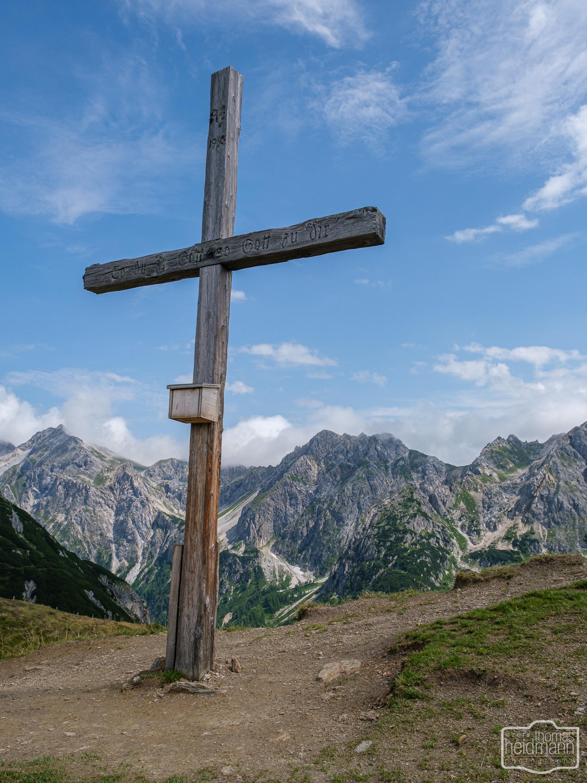 Gratwanderung - Gipfelkreuz