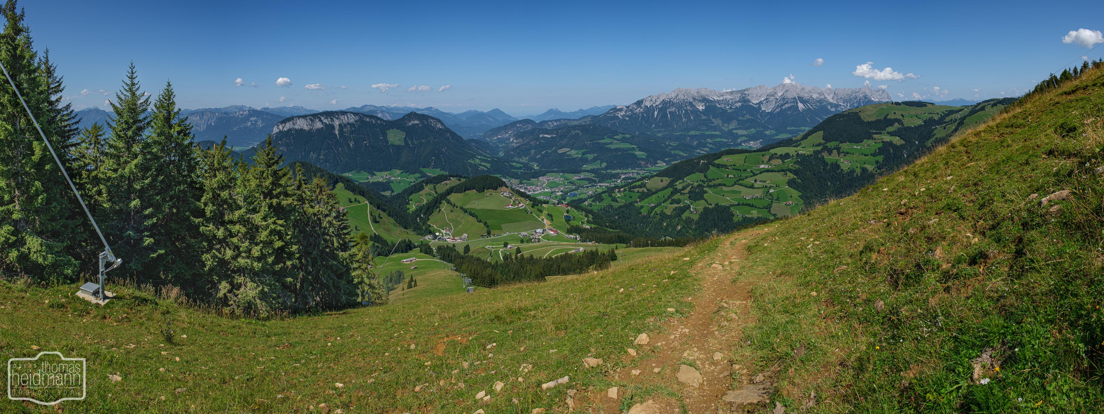 Wanderung auf die Hohe Salve - Wanderweg umrundet den Gipfel