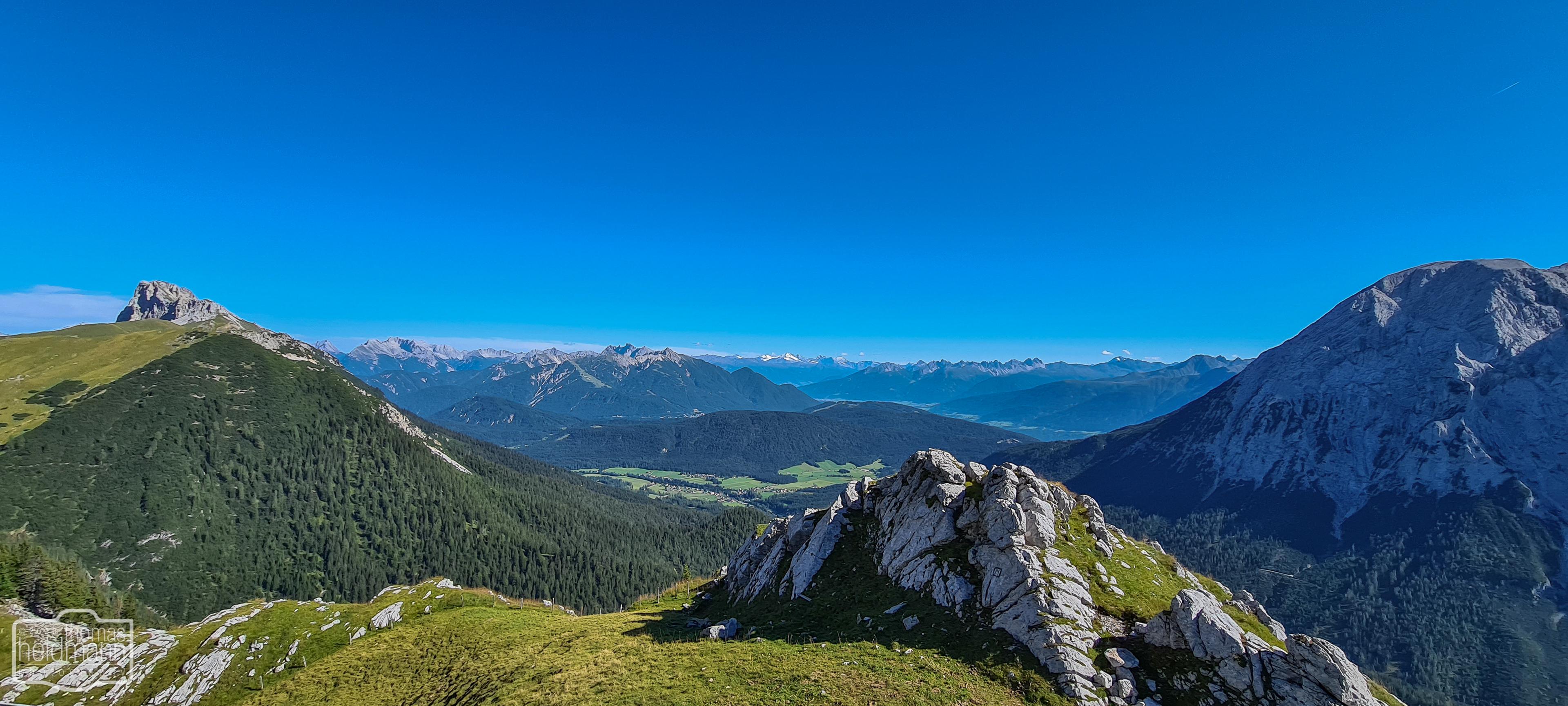 Blick in die Bergwelt von der Rotmoosalm aus