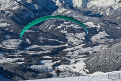 Paraglider startet auf der Bischlingshöhe