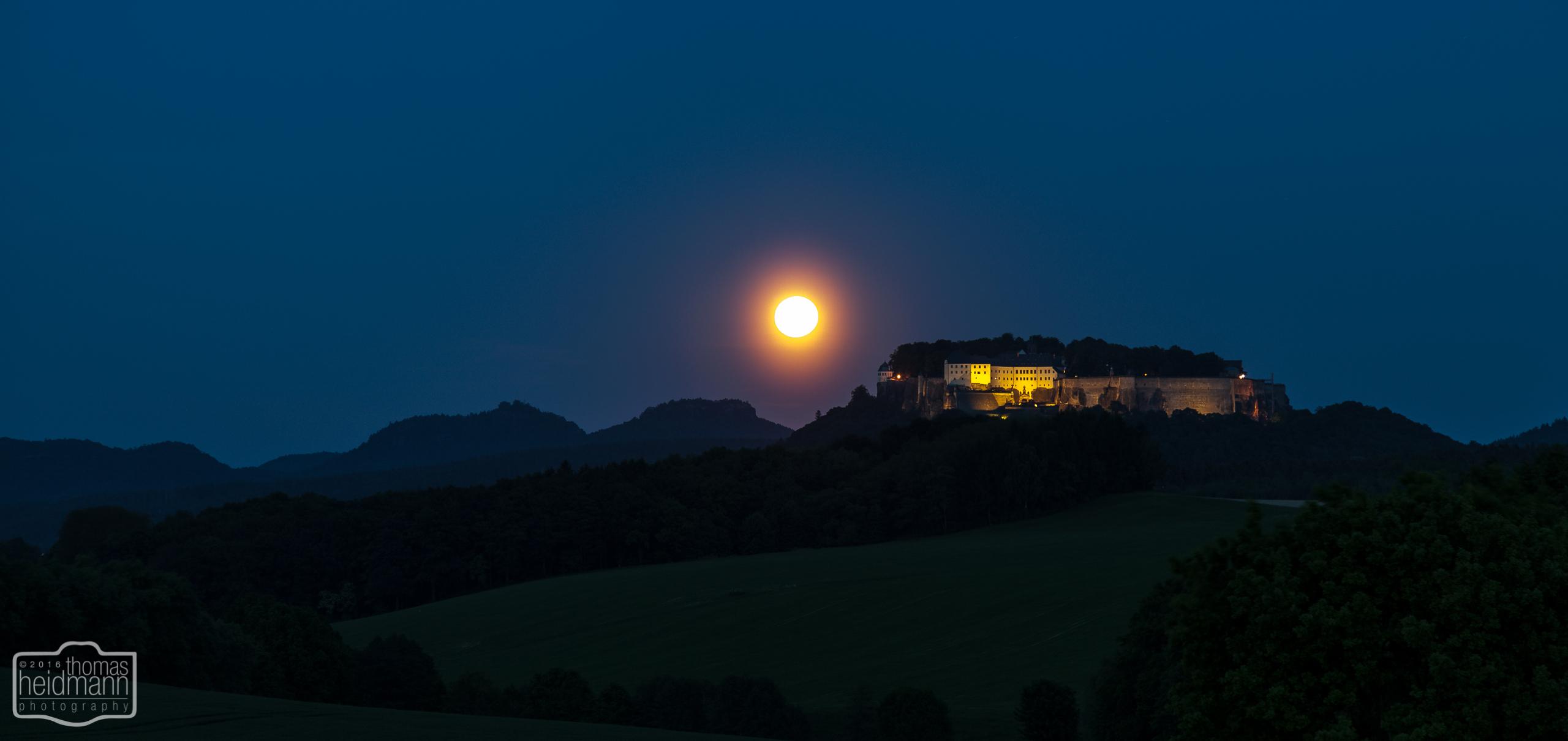Festung Königstein zur blauen Stunde