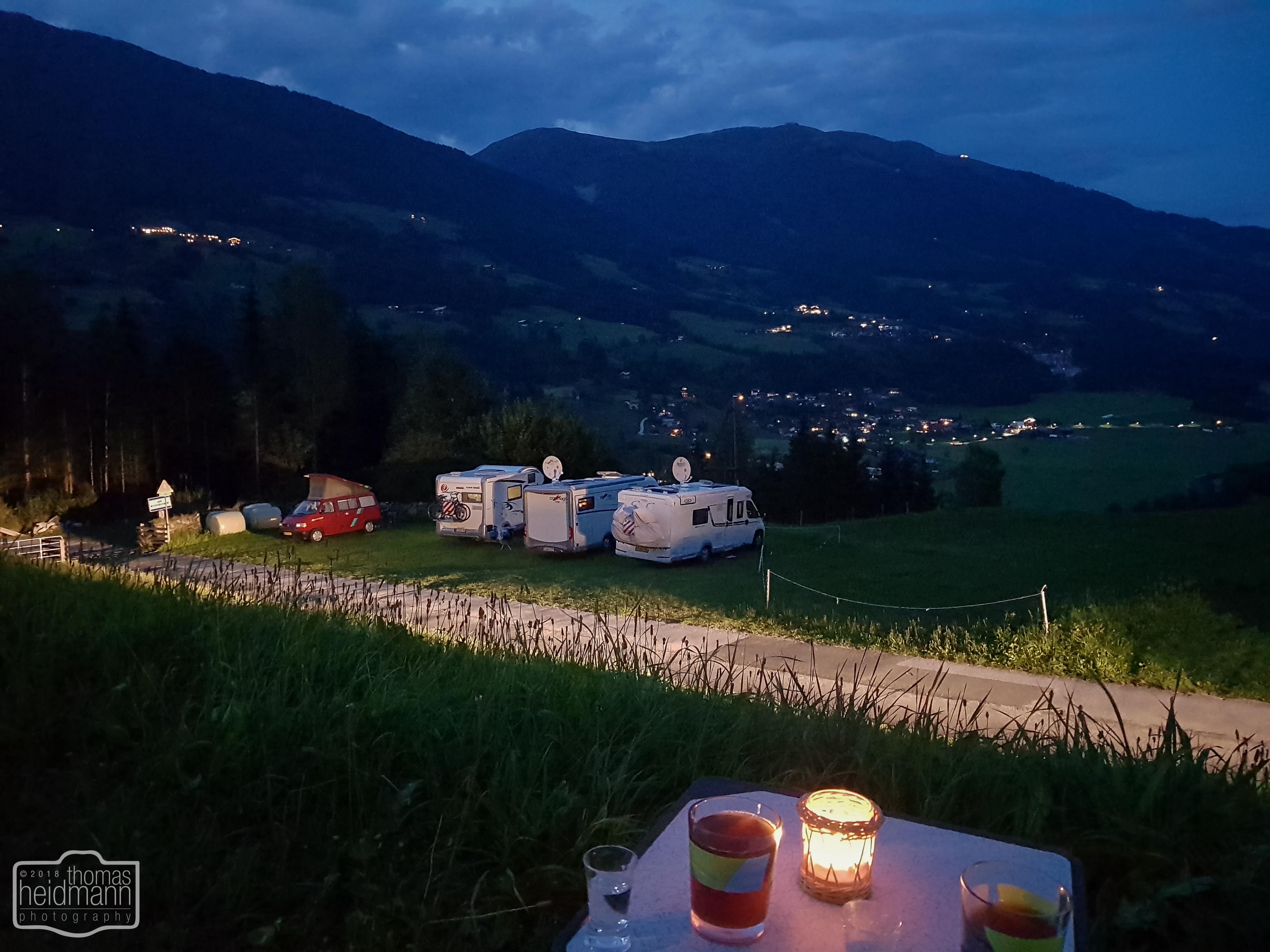 Stellplatz Friedburg - Blick zum Wildkogel am Abend