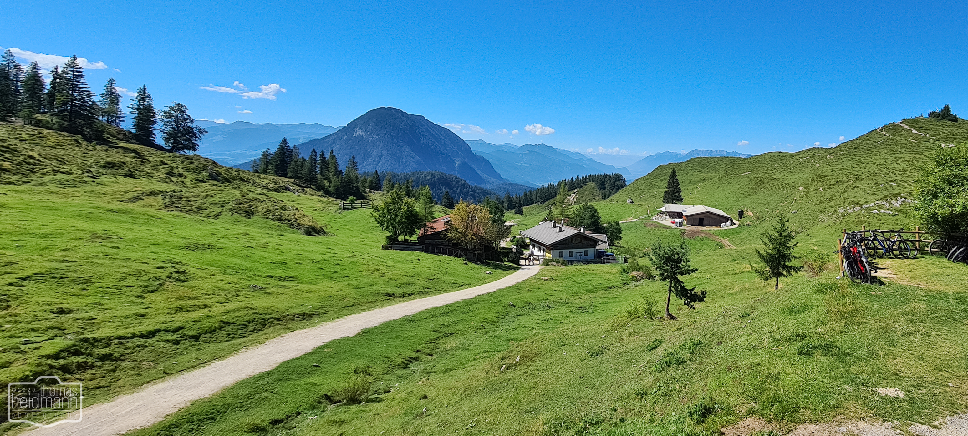 3 Hütten am Hintersteiner See