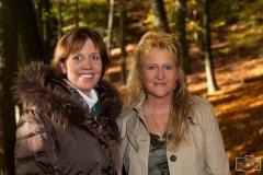Xenia & Hanne im Herbstwald
