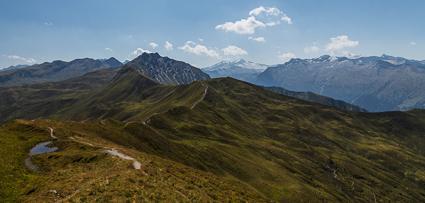 Wanderung zur Draugsteinalm über den Gipfelgrat (Karteistörl bis Draugsteintörl in 2145m).